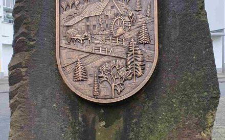 Stein mit dem Strundorf-Wappen